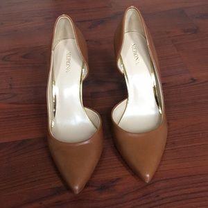 NWOT. Merona: Cognac heels